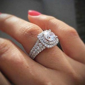 NEW 18k White Gold Diamond Halo Wedding Ring